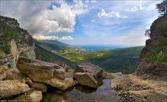 Вид на Ялту с водопада Учан Су - View at Yalta from Uchan Su waterfall