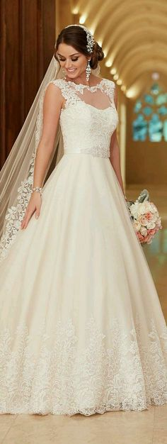 Wedding gown by Stella York.Check out more gorgeous dresses in our Stella York gown gallery ► 2016 Wedding Dresses, Princess Wedding Dresses, Wedding Dress Styles, Bridal Dresses, Wedding Gowns, Lace Wedding, Trendy Wedding, Wedding Bridesmaids, Perfect Wedding