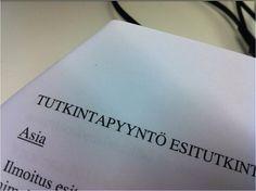 Tänään sain luettavakseni muistion, josta tajuan vain otsikon. #ylelle #toimittajannormipäivä by  @ Tuomob