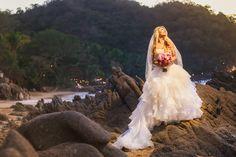 amazing wedding dress, Classical and Romantic #beachweddings #weddingdrees #lascaletas