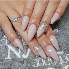♡Breakfast at Chloe's - Nails Classy Nails, Stylish Nails, Trendy Nails, Dark Nails, Nude Nails, Acrylic Nails, Hair And Nails, My Nails, Lipstick Designs