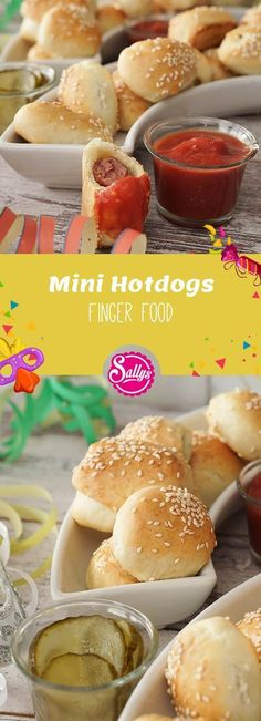 Small mini hot dogs or sausages in a dressing gown that you can easily eat out of your hand. Small mini hot dogs or sausages in a dressing gown that you can easily eat out of your hand. Party Finger Foods, Snacks Für Party, Lunch Snacks, Healthy Snacks, Yummy Snacks, Mini Hot Dogs, Dog Recipes, Baby Food Recipes, Dessert Recipes