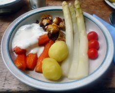 Gemüseteller mit Joghurt Dip