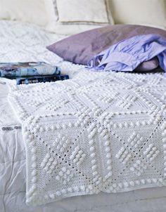 Beautiful free crochet pattern but it's written in Dutch!