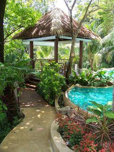 Ein Großartiges Feature Im Pavillon Am Pool Werden Sollen Ist Eine ... Eine Feuerstelle Am Pool