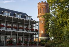Watertoren en het ziekenhuis Oldenzaal Boeskoolstad. 9 september 2012. Foto Berlinda Scherphof