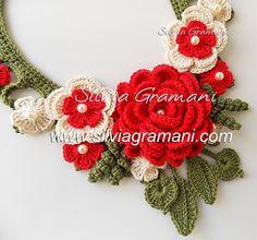 Ожерелье с цветками вязания крючком - Цветы ожерелье с вкраплениями Афродиты