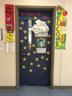 Starbucks theme door. We love you a latte! Stars are hand written notes from students about why they love the teacher. Teacher Door Decorations, Class Decoration, Basketball Decorations, Christmas Classroom Door, Teacher Doors, School Doors, Coffee Theme, Winter Kids, Classroom Themes