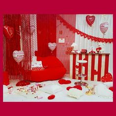 #propstyling #プロップスタイリング #setdesign #遠藤歩 #ayumiendo #backdrop #decoration #valentine #kawaii #red #roomforgirl #roomdecor