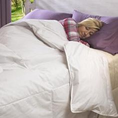 @Overstock - The perfect down comforter for all seasons comfort. 100 pure cotton cover is generously oversized to fit plush mattresses. Freshness Assured Down for long lasting comfort.http://www.overstock.com/Bedding-Bath/Luxury-size-All-Seasons-300-Thread-Count-Down-Comforter/6372553/product.html?CID=214117 $59.99