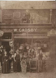 These are what stores and shops in Victorian Era look liked. A late-Victorian store interiors A store at Rowland Street Westcheste. Victorian London, Vintage London, Victorian Life, Old London, London City, Vintage Shops, Victorian History, East London, Victorian Fashion