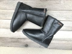 Classic Ugg Boots, Ugg Classic, Uggs, Biker, Ankle, Shoes, Fashion, Moda, Zapatos