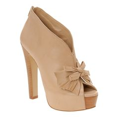 http://www.aldoshoes.com/us/women/shoes/platform-pumps/83790772-ferriera/32