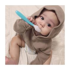 Ulzzangbaby 31 things all half asians know to be true Cute Asian Babies, Korean Babies, Asian Kids, Cute Little Baby, Little Babies, Baby Kids, Beautiful Children, Beautiful Babies, Baby Pictures