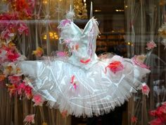 rapetto ballet tutus | Repetto has a habit of endlessly surprising passers-by, and recently ...