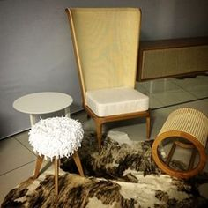 Instagram photo by Sayuri Machado Arquitetura (@sayuri.machado) 25/03/2015 Escolhendo móveis soltos para clientes queridos! Amamos esse banquinho da frente, chamado Dread, da Hadra!!! 😍#DesignBrasileiro #BrazilianDesign #interiordesign #furniture #Hadra #Cadopel #madeinbrazil