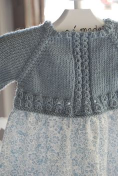 ✽   knitted dress yoke  -  mamamadejas: canastillas