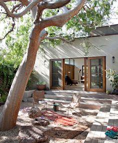 20 Bohemian Room Decor Ideas for the Ultimate Free Spirit - Exterior Design Design Exterior, Interior And Exterior, Modern Exterior, Room Interior, Outdoor Rooms, Outdoor Gardens, Zen Gardens, Garden Oasis, Indoor Outdoor Living
