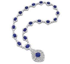 important collier de la maison Bulgari, or, diamants et saphirs. Lesquels sont certifiés naturels, birmans et non traités par des rapports SSEF. Provient d'une famille princière européenne.