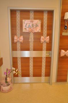 Delivery room door decoration