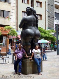 #Medellín a vista de pájaro, un #tour don descubrirás los sitios más baratos y bonitos de la cuidad. #Colombia #Botero #viajar #travel