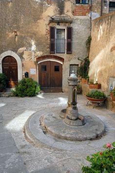 Castagneto Piazza della Gogna #TuscanyAgriturismoGiratola