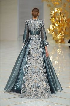 nice Guo Pei Spring/Summer 2016 Couture Fashion designers Check more at http://pinfashion.top/pin/53968/