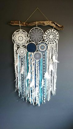 DIY Dream Catchers Decor Your bedroom; Home decor boho style; how to make a dream catchers; DIY wall decor ideas DIY Dream Catchers Decor Your bedroom; Home decor boho style; how to make a dream catchers; Dream Catcher Decor, Dream Catcher Boho, Making Dream Catchers, Lace Dream Catchers, Diy Tumblr, Diy Home Decor Easy, Diy Wall Decor, Decor Room, Room Decorations