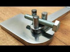 Metal Bender for the wire very easily Metal Bending Tools, Metal Working Tools, Metal Tools, Diy Welding, Welding Tools, Metal Projects, Welding Projects, Homemade Tools, Diy Tools