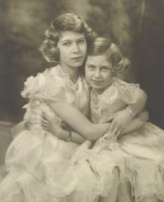 I love the Monarchy:  Sisters-Elizabeth and Margaret