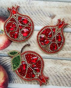 Juicy ruby grenades 🤗 how they burn . Bead Embroidery Jewelry, Silk Ribbon Embroidery, Bead Jewellery, Beaded Jewelry, Homemade Jewelry, Beaded Brooch, Brooches Handmade, Bijoux Diy, Beads And Wire