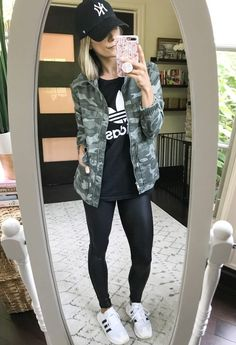 Outfit Remix: Faux Leather Leggings 6 Ways - my kind of sweet Source by leoniebuggert leggings outfit casual Casual Leggings Outfit, Leather Leggings Outfit, Faux Leather Leggings, Leggings Fashion, Cute Legging Outfits, Leather Leggings Summer, Outfit Ideas With Leggings, Tribal Leggings, Leather Skirts