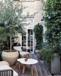 Newest Photo balcony Garden Decoration Tips Much above an afterthought, garden ornaments can guide how we shape and make use of your back yard, Small Courtyard Gardens, Small Courtyards, Balcony Garden, Outdoor Gardens, Garden Bed, Garden Pots, Vegetable Garden, Outdoor Rooms, Outdoor Living