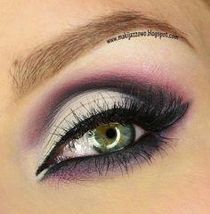 Illamasqua by makijazowo21 on Makeup Geek #eye #eyes #makeup #eyeshadow #dramatic #bright #smoky