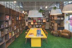 Primeira livraria para vender apartamentos no mundo | Juliana Ariza