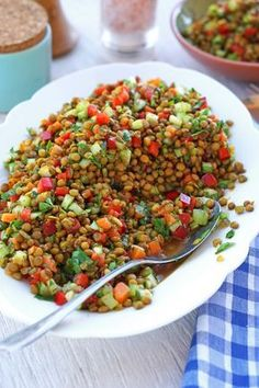 Warum fertig kaufen, wenn sich leckerer Linsensalat so schnell und günstig selb. Why buy ready when you can make delicious lentil salad yourself so quickly and cheaply? There are no limits to your ideas about what can be put into it. Seafood Recipes, Appetizer Recipes, Salad Recipes, Dinner Recipes, Cooking Recipes, Snacks Recipes, Drink Recipes, Seafood Appetizers, Lentil Recipes