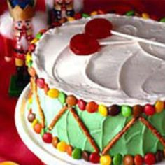 Drum Layer Cake: Choose your favorite Duncan Hines cake flavor and bake it up with any flavor additions you like. Then make this Drum Layer Cake a fun project by decorating it with your kids for a special treat or for a holiday activity.