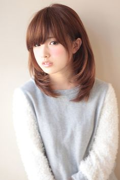 AFLOAT JAPANのヘアスタイル | 内巻き小顔セミディ | 東京都・銀座の美容室 | Rasysa(らしさ)