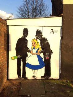 Last trip to wonderland-Camden, London. Alice in wonderland Street art Urban Street Art, Best Street Art, Amazing Street Art, 3d Street Art, Street Artists, Urban Art, Murals Street Art, Graffiti Murals, Street Art Graffiti