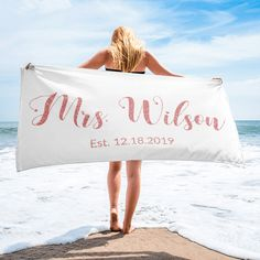 Personalized Future Mrs Towel - Wedding Date Gift - Faux Rose Gold Glitter Bride Towel - Bachelorette Party - Engagement Gift - Future Bride Mermaid Towel, Mermaid Beach, Mermaid Hair, Beach Bachelorette, Bachelorette Party Gifts, Beach Bridal Showers, Custom Beach Towels, Bride Gifts, Wedding Gifts