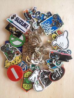 Peluang Usaha Gantungan Kunci Acrelic @ 5.000 harga jual umum 7.500 - 10.000 pembelian 100 pcs gratis ongkos kirim untuk Indonesia