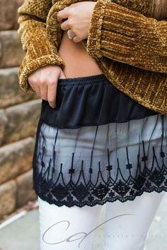 Shirt Extender Black Scalloped lace – Plus Sizes Wardrobe foundation MUST-HAVE! Add style and versatility to your wardrobe with this scalloped lace top extender, that adds length to those short tops and extra Diy Vetement, Clothing Hacks, Scalloped Lace, Sewing Clothes, Diy Fashion, Paris Fashion, Dressmaking, Short Tops, Clothes Refashion