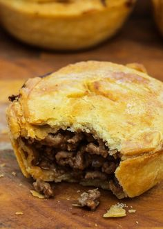 Lovett's Meat Pies « Hearty Halloween Bites - Desserts Pastry Recipes, Meat Recipes, Cooking Recipes, Meat Pie Pastry Recipe, British Meat Pie Recipe, Gourmet Dinner Recipes, Curry Recipes, Scottish Recipes, Irish Recipes