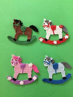 Get this free crochet pattern of a crochet rocking horse at Kerri's Crochet. Crochet Applique Patterns Free, Crochet Flower Patterns, Crochet Motif, Crochet Stitches, Crochet Appliques, Felt Patterns, Crochet Horse, Crochet Animals, Crochet Dolls