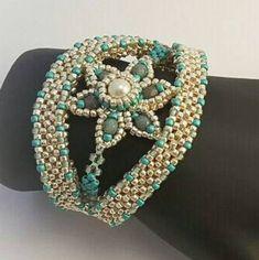 Beaded Jewelry Designs, Seed Bead Jewelry, Jewelry Art, Jewelry Ideas, Beaded Jewellery, Jewlery, Bohemian Bracelets, Beaded Bracelets, Chevron
