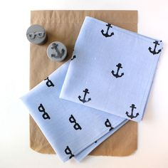 Make Your Dad this Dainty DIY Handkerchief for Father's Day 2014 #diy #gifts trendhunter.com