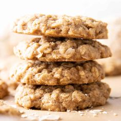 This healthy oatmeal cookie recipe yields lightly sweet healthy oatmeal cookies with spiced, buttery-rich flavor, lightly crisp edges and a tender interior. Heathy Oatmeal Cookies, Oatmeal Cookies No Sugar, Healthy Oatmeal Recipes, Oatmeal Cookie Recipes, Healthy Cookies, Healthy Baking, Snack Recipes, Cookies Vegan, Vegan Recipes