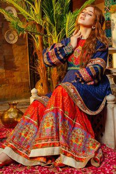 Fancy Dress Design, Stylish Dress Designs, Designs For Dresses, Stylish Dresses, Fashion Dresses, Pakistani Wedding Outfits, Pakistani Dresses Casual, Indian Dresses, Pakistani Clothing