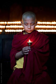 Novice Monk Holding Candle by Hugh Sitton Buddha Zen, Gautama Buddha, Buddha Buddhism, Buddhist Monk, Tibetan Buddhism, Buddhist Art, Tibetan Art, Tao Te Ching, Little Buddha
