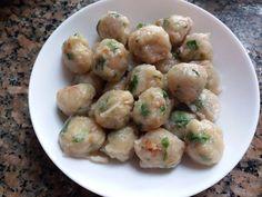 cilok by Arum Sari Indonesian Desserts, Indonesian Cuisine, Unique Recipes, Ethnic Recipes, China Food, Good Food, Yummy Food, Food Dishes, Potato Salad